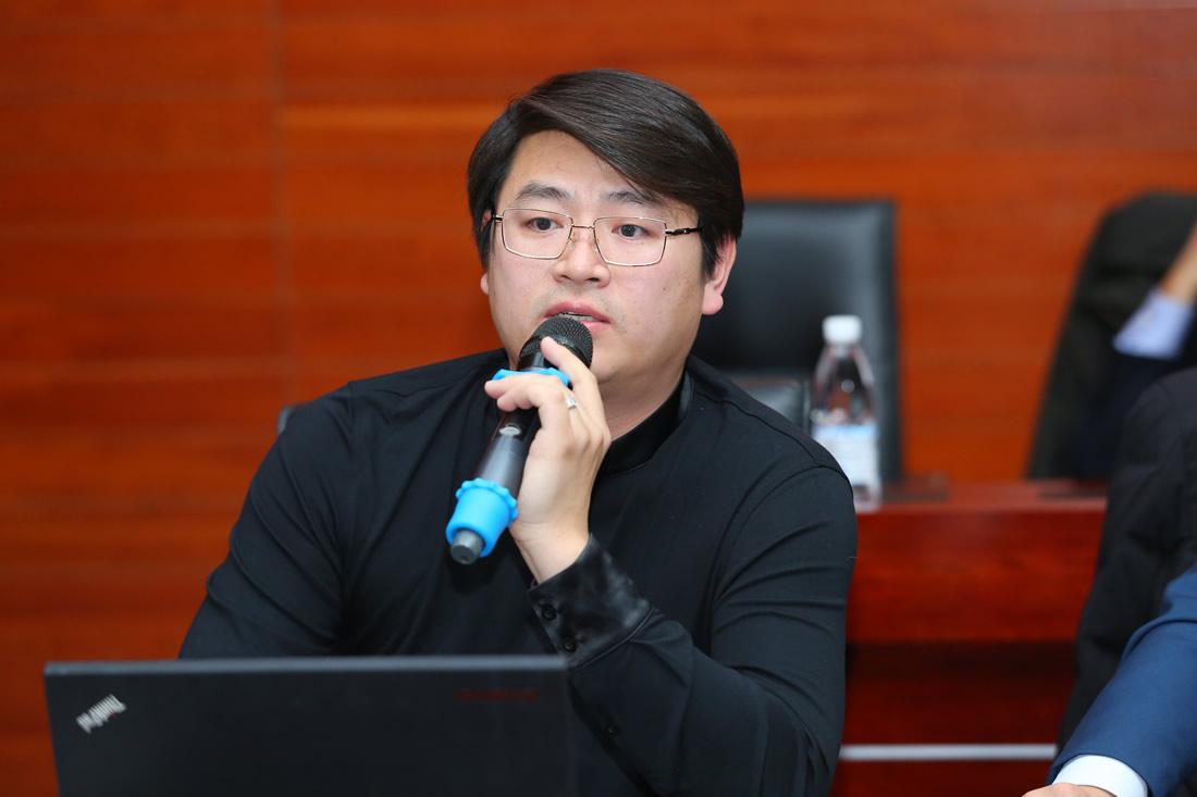 动向国际科技股份有限公司总裁 邱峰