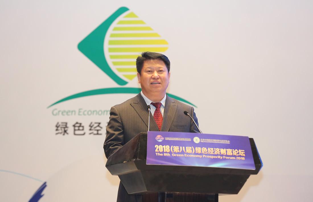 新疆建设兵团十二师党委常委、副师长罗贵宝